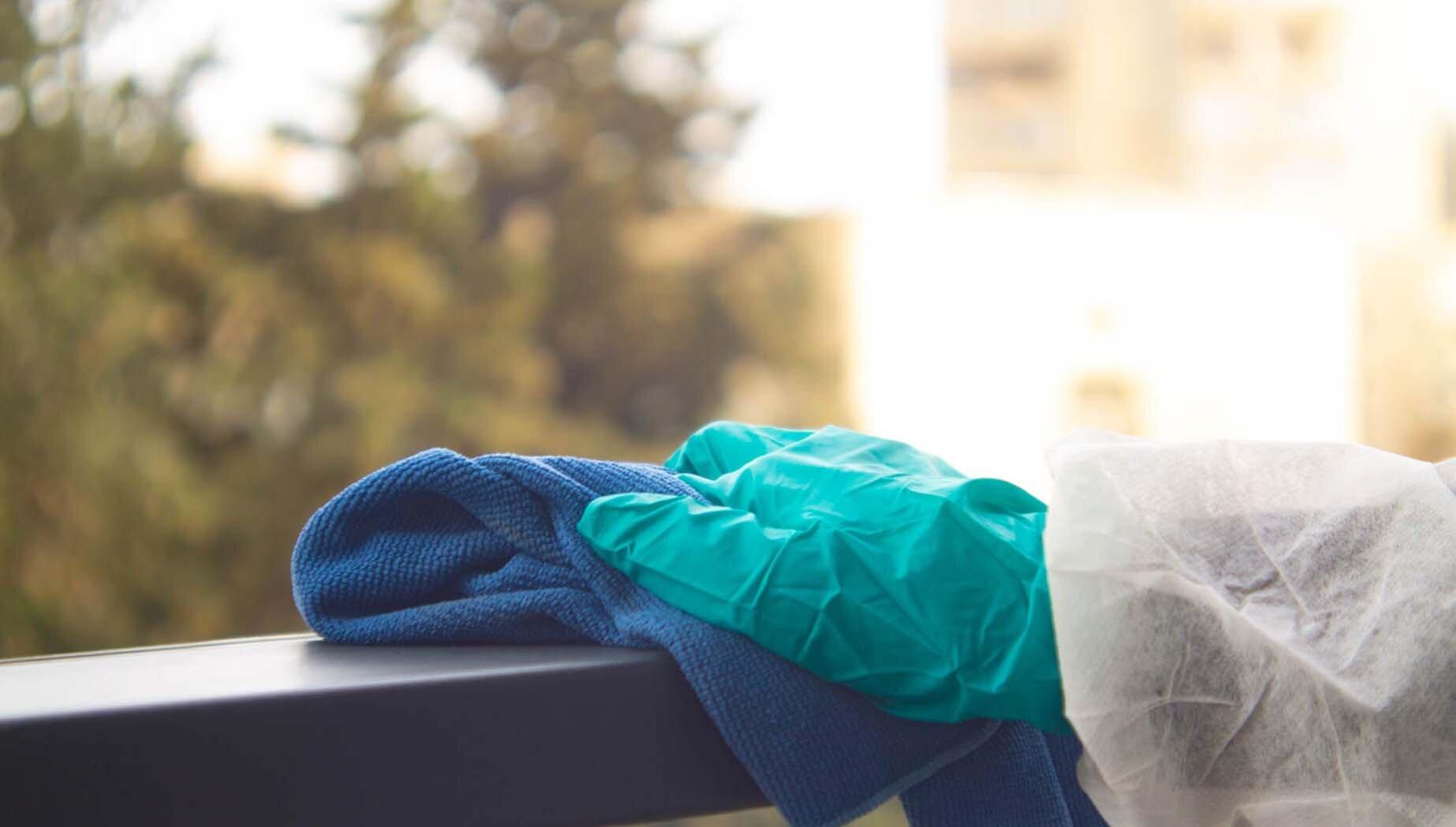 Die Fallzahlen hinsichtlich Corona steigen an. Hygiene Coach möchte auf Schutzmaßnahmen und die Übertragung durch Oberflächen aufmerksam machen.