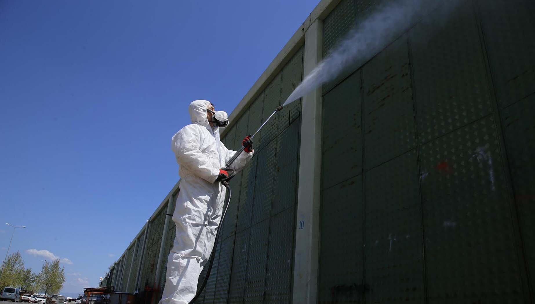 In Deutschland fehlen effektive Hygienekonzepte, um die Menschen vor einer Ansteckung und weitere Geschäfte vor der Schließung zu bewahren.